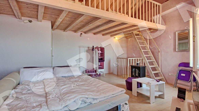 3 zimmer apartment mit sehr sch nem ausblick auf das meer im zentrum rovinj. Black Bedroom Furniture Sets. Home Design Ideas