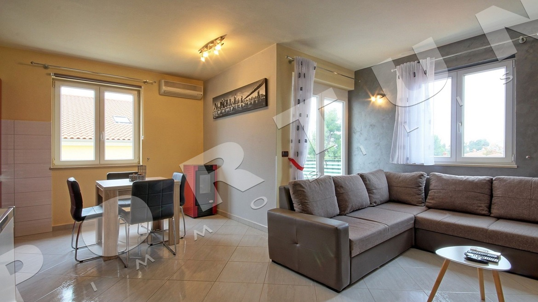 modern m blierte 3 zimmer wohnung in rovinj. Black Bedroom Furniture Sets. Home Design Ideas